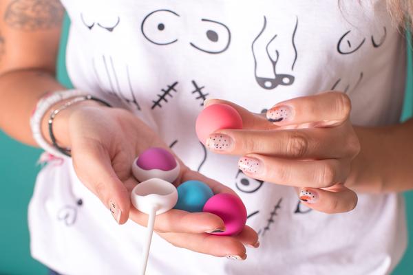 Entrena tu suelo pélvico de menos a más y a tu ritmo con este kit de bolas chinas intercambiables entre sí.