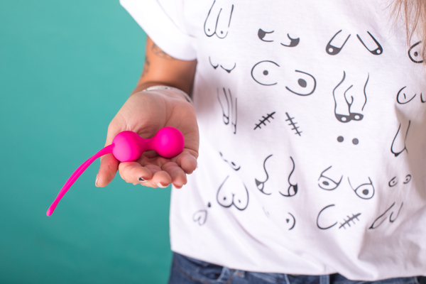 Camiseta con mensaje feminista original teta-shirt
