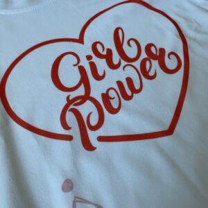 camiseta original con mensaje feminista niña