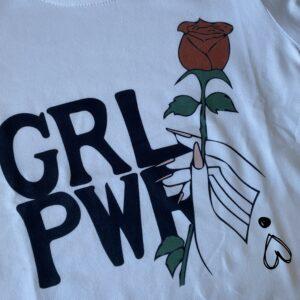imagen camiseta original con mensaje feminista niña