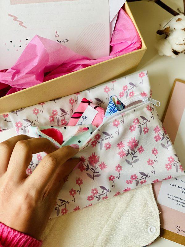 Bolsa impermeable compresas, braguitas, copa menstrual o mascarilla